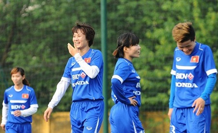 Women footballers called up for Olympic qualifiers