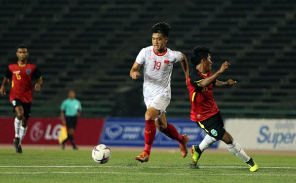 Việt Nam win semi-final place at regional U22 champs