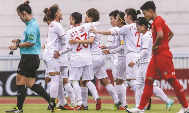 Việt Nam beat Myanmar to top group at regional event